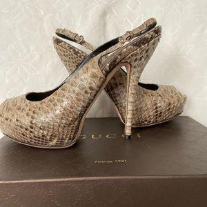 Gucci leather snakeskin peep toe pump